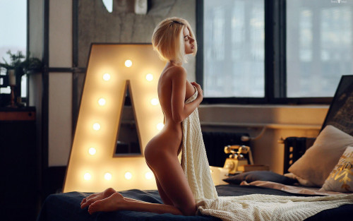 blonde-naked-body-sexy-ass-erotic-wallpaper-1920x1200.jpg