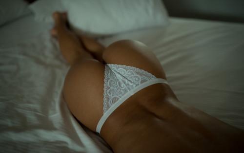 white-bikini-sexy-ass-babe-model-lingerie-1920x1200.jpg
